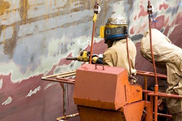 Sablarea in industria navală