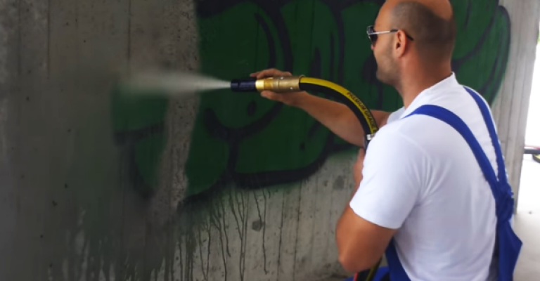 Sablare si curățare graffiti